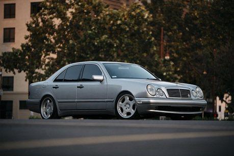 如何提升Mercedes E55 AMG駕馭樂趣?自改手排變速箱吧!