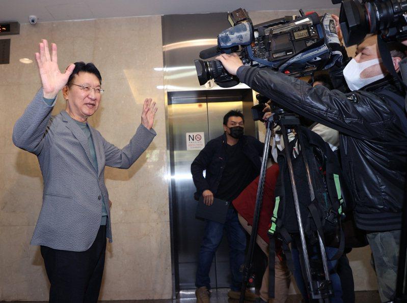 中廣董事長趙少康(左)連日記者會爆料,讓國民黨主席競合檯面化。記者潘俊宏/攝影