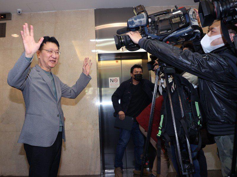 趙少康宣布重返國民黨,還劍指黨主席,並接連爆料韓趙會面、江韓會面,把國民黨內檯面下為黨主席選戰的布局運作全部攤開。記者潘俊宏/攝影
