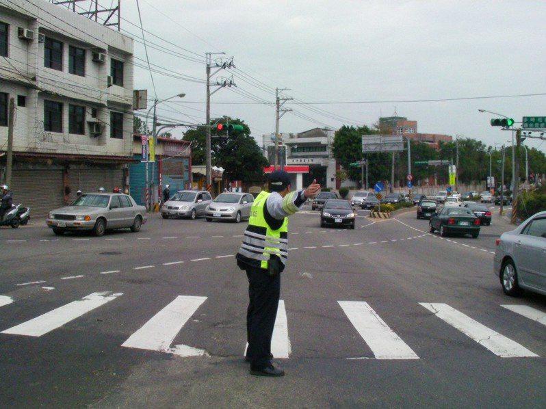 春節期間龍潭警方實施交通微調措施。圖/龍潭警分局提供