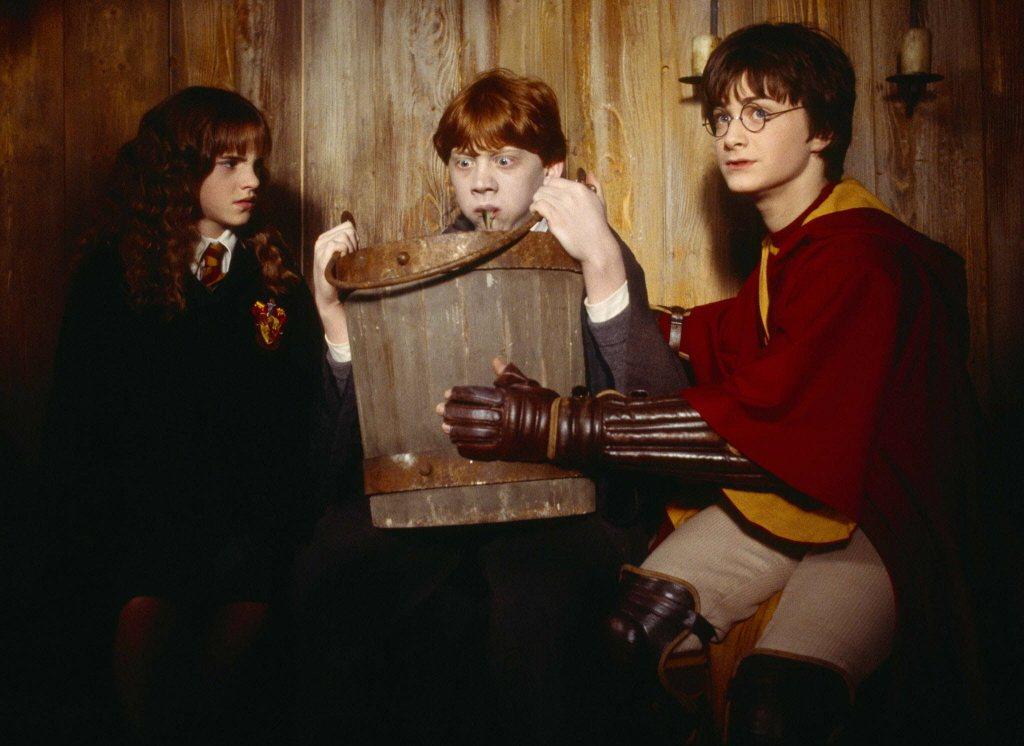 「哈利波特」系列影片在全球各地大熱賣,也讓魯伯葛林特(中)打開知名度。圖/摘自i...