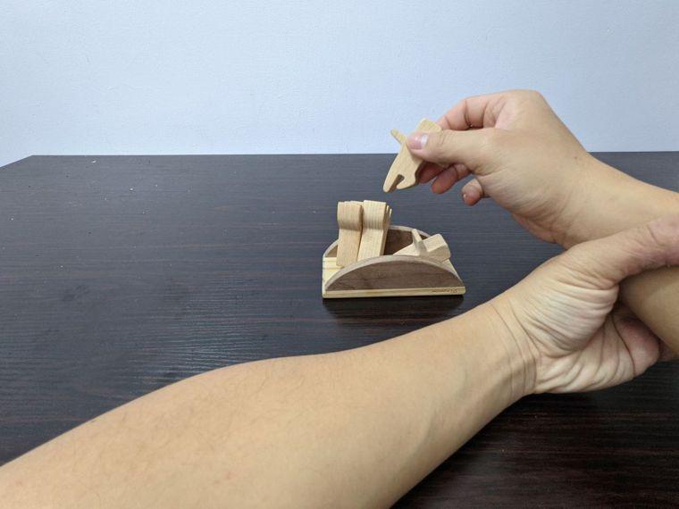 EASY不搖平衡疊疊樂遊戲小技巧3如果想練手指,也可以健側手扶住患側手手...