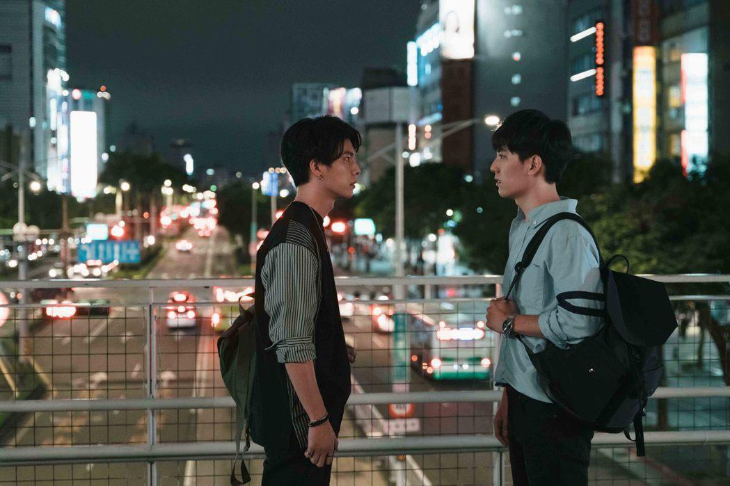 BL影集「永遠的第一名」林子閎(右)暗戀楊宇騰多年。圖/WeTV、結果娛樂提供