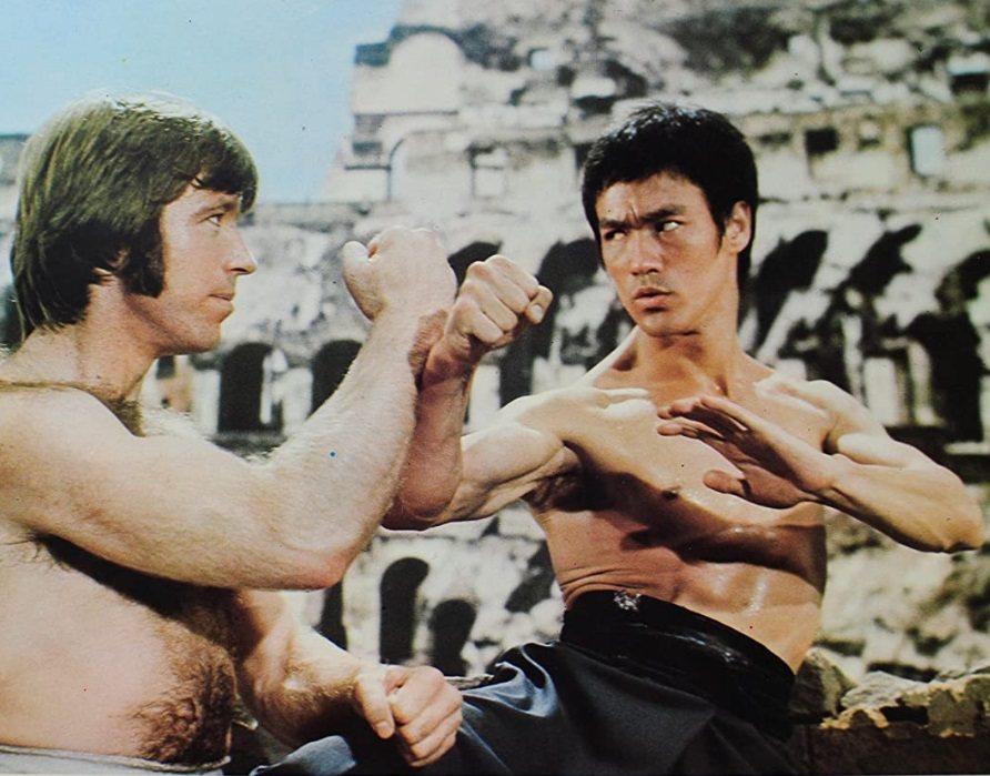 李小龍與羅禮士在羅馬競技場拍「猛龍過江」。圖/摘自HKMDB