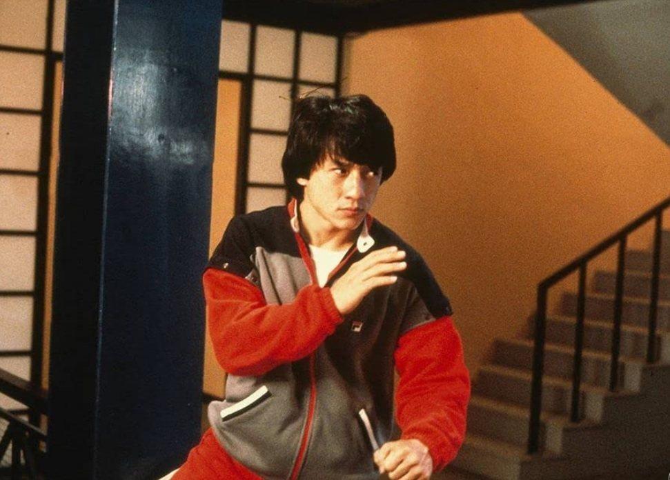成龍雖非「福星高照」主角,卻是主打巨星。圖/摘自imdb