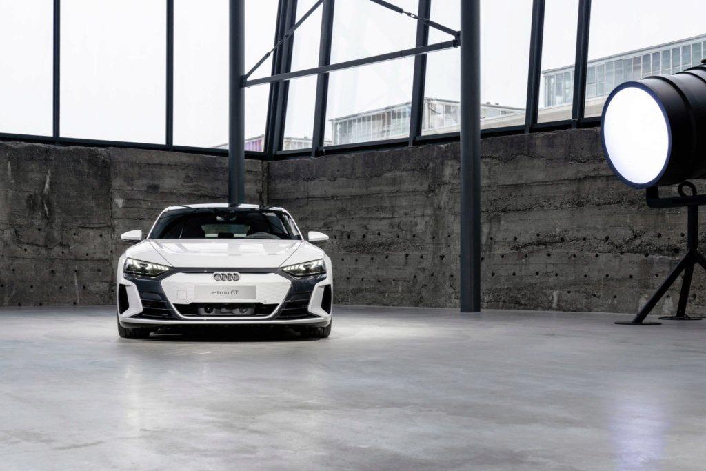 全新Audi e-tron GT發表前流出高清廠照! 摘自Cochespias