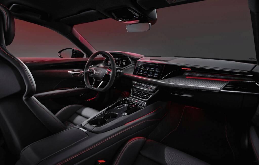 全新Audi e-tron GT RS市售版內裝。 摘自Cochespias