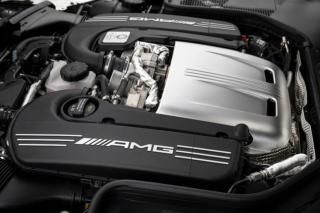 Mercedes-AMG C 63 S Coupe進化版搭載4.0L V8雙渦輪...