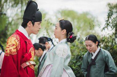 翻拍劇的「教科書」:韓劇《哲仁王后》的高收視並非偶然