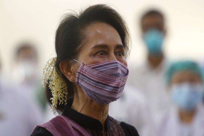 緬甸實質領袖翁山蘇姬(Aung San Suu Kyi)在內多名執政黨高層遭軍方逮捕。 美聯社