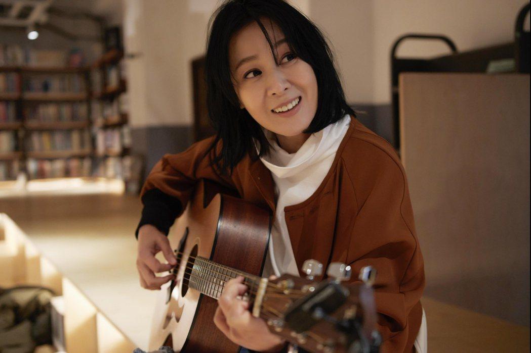 劉若英祭新歌「所有相愛的人啊」,暖嗓伴新春、情人節。圖/相信音樂提供