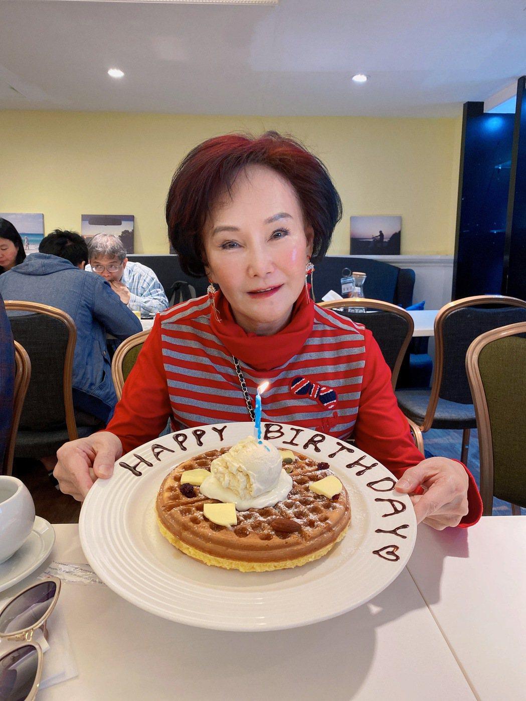 胡錦身分證上的生日是2月6日,趁機慶生。圖/北投映像電影公司提供