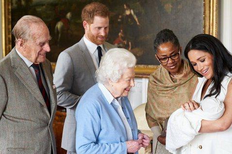 英國哈利王子之妻梅根自認嫁入皇室後,受到很多不公平的對待,滿肚子怒火與委屈,如今她得以返回美國老家過自己要的生活,也完全沒有在管會不會再激怒皇室,打定主意不要再壓抑自己。早先各方傳出今年6月哈利將會...
