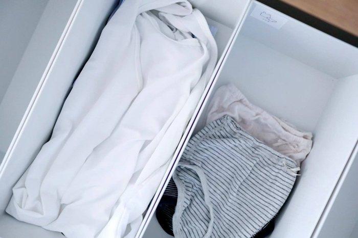 內衣褲直接堆疊,省下摺衣服的時間。 圖/取自50+(Fifty Plus)