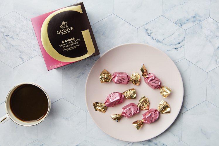 G Cube 草莓松露黑巧克力22顆裝。圖/GODIVA提供