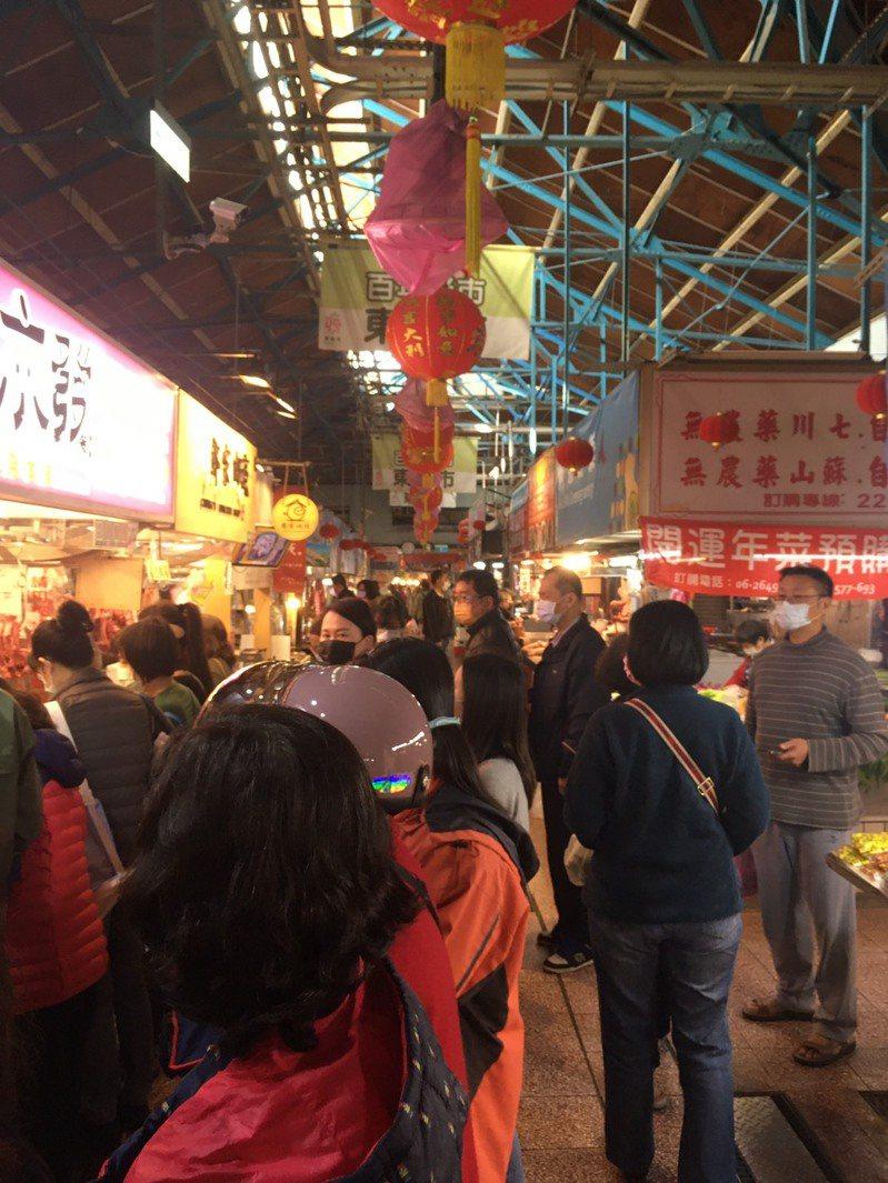 台南市政府經發局呼籲遊客來台南消費,要落實防疫措施。圖/台南市政府經發局提供