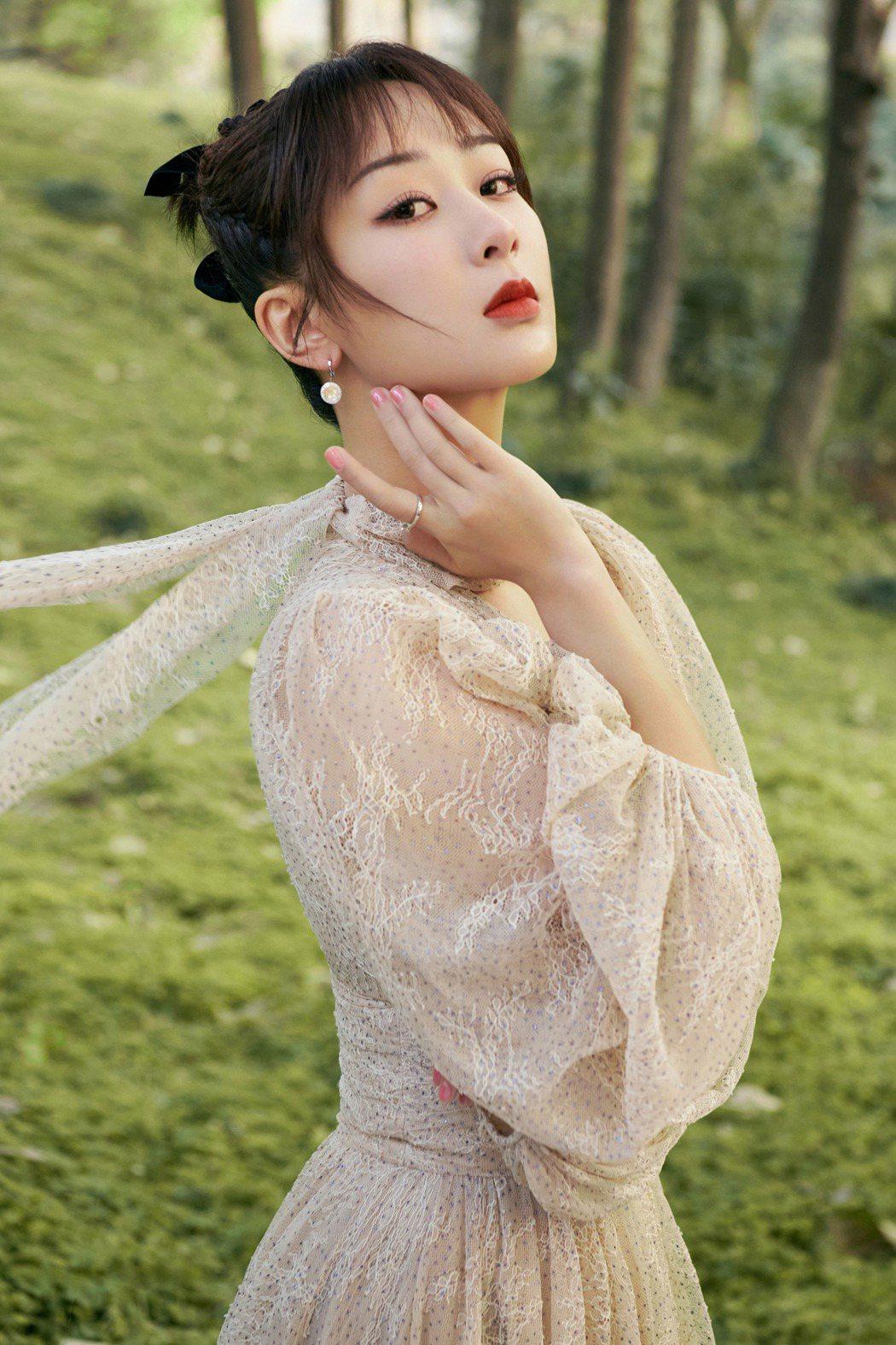 楊紫被粉絲形容是「正能量女神」。圖/LiTV、楊紫工作室提供