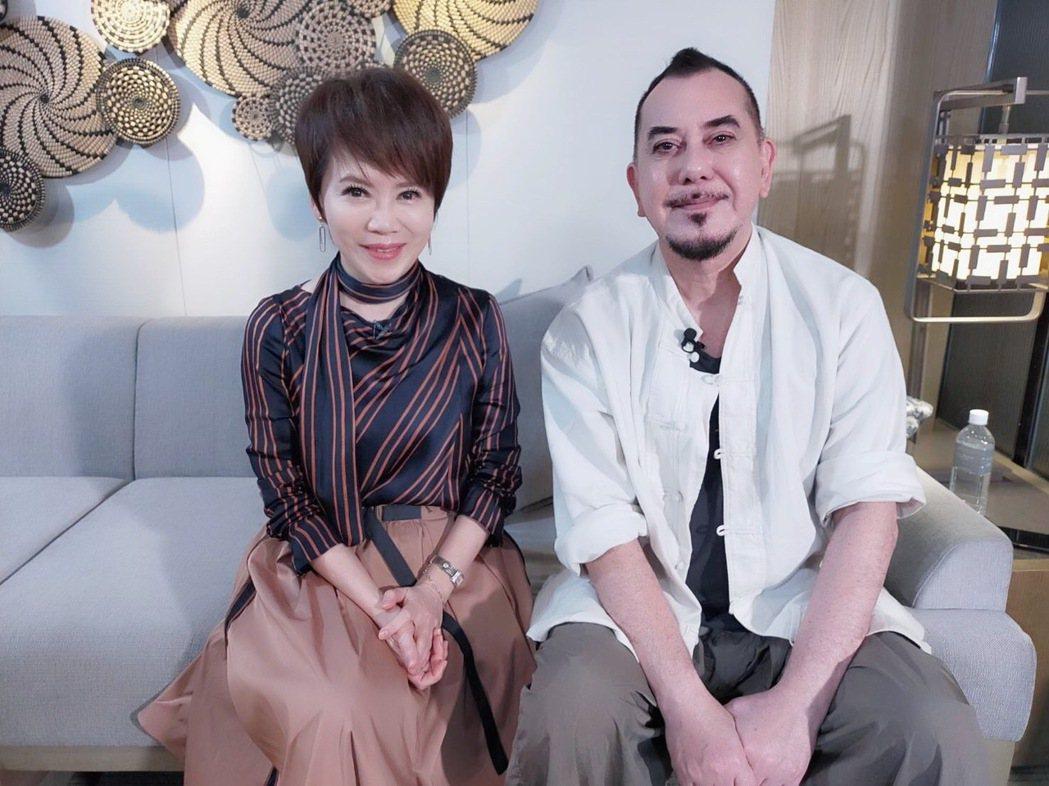 黃秋生(右)接受陳雅琳專訪。圖/壹電視提供