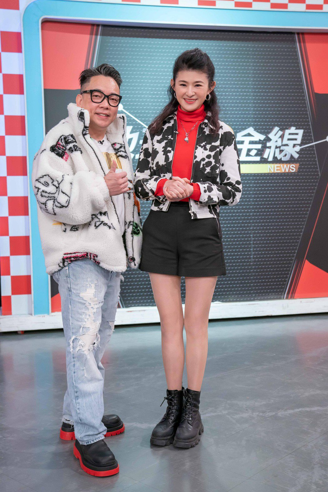 詹惟中(左)日前上蘇宗怡主持的TVBS「地球黃金線」。圖/TVBS提供