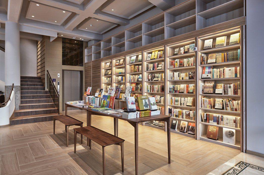 中央書局復業後一樓。圖/中央書局提供