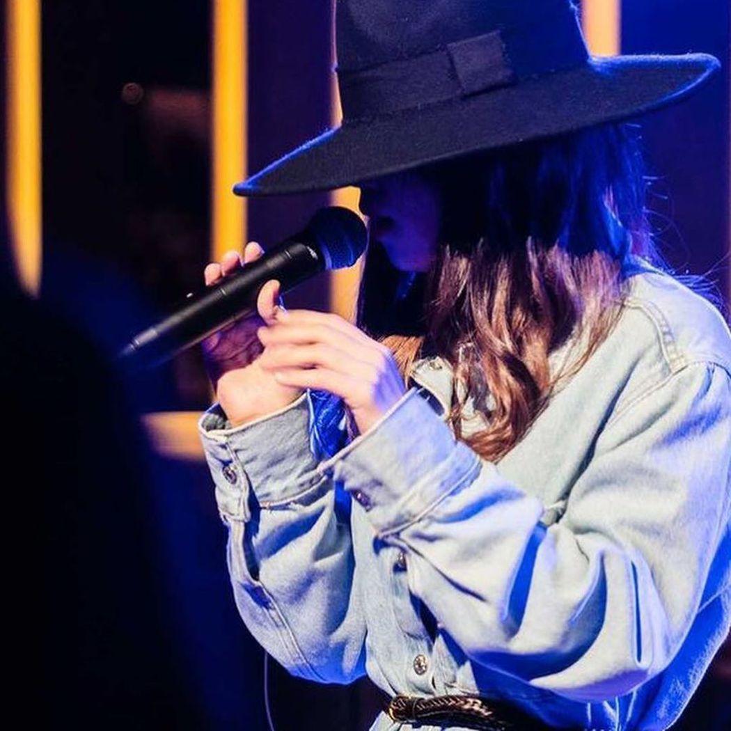 壞特表演時總戴帽遮掩面貌。 圖/擷自壞特IG
