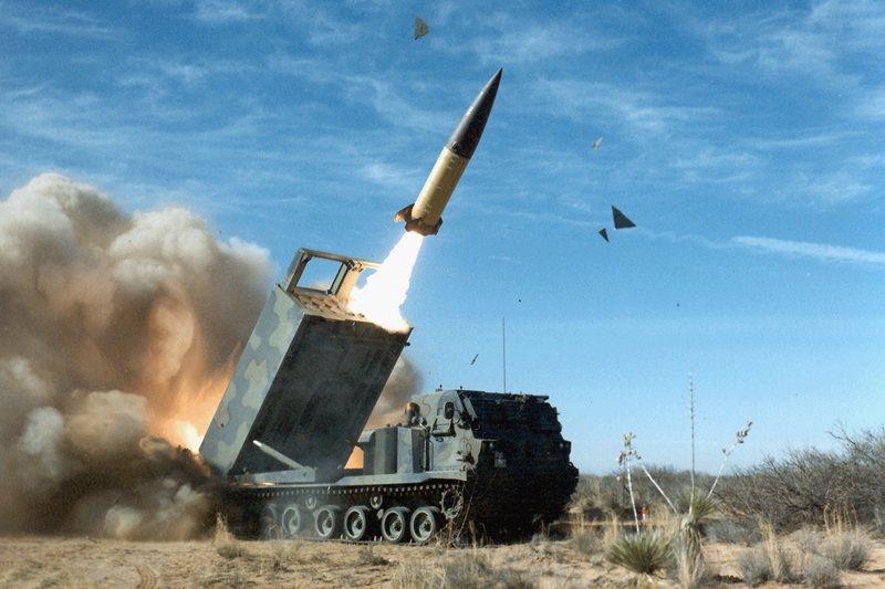 射程300公里的陸軍戰術飛彈(ATACMS),讓台灣擁有跨海打擊的能力。 圖/美國國防部