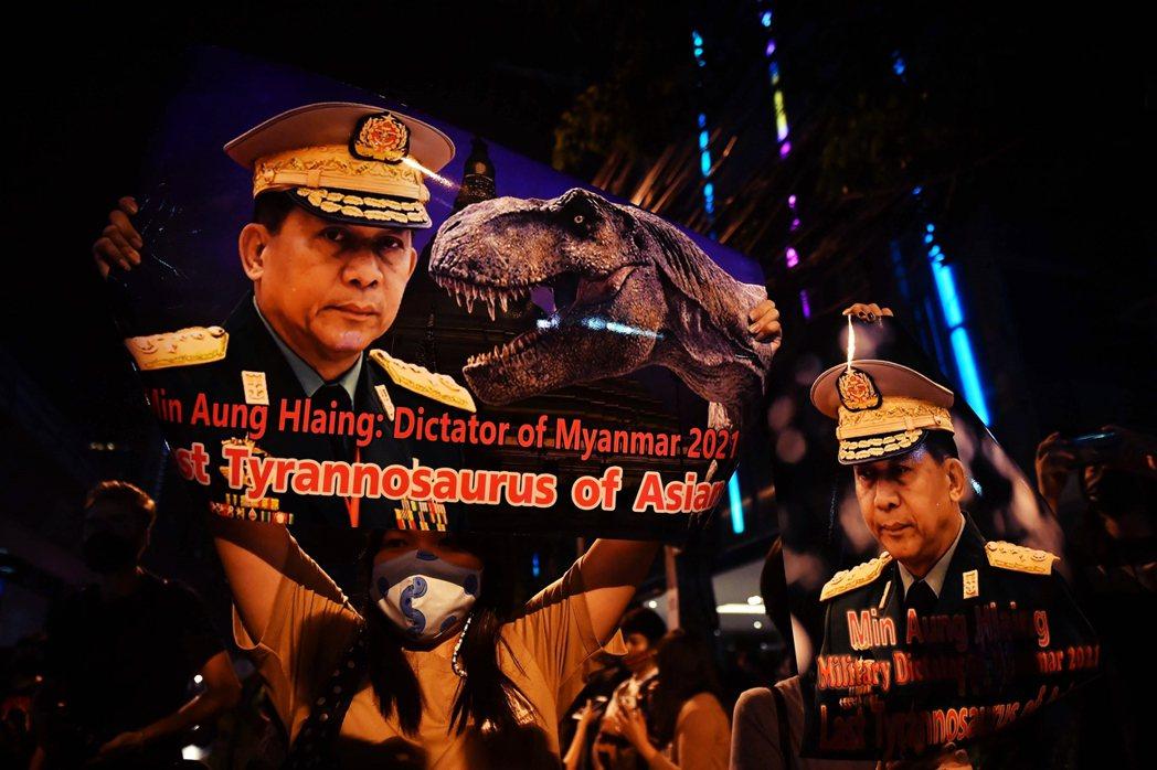 緬甸文武體制一日不變,民選政府一日無法取信於國防軍,《2008憲法》設計的政治框...