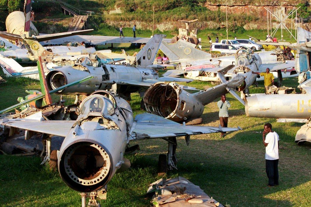 烏干達有什麼需要砸下大錢、爭買最先進的西方戰機呢?阿敏的空軍需求,其實針對的是南...