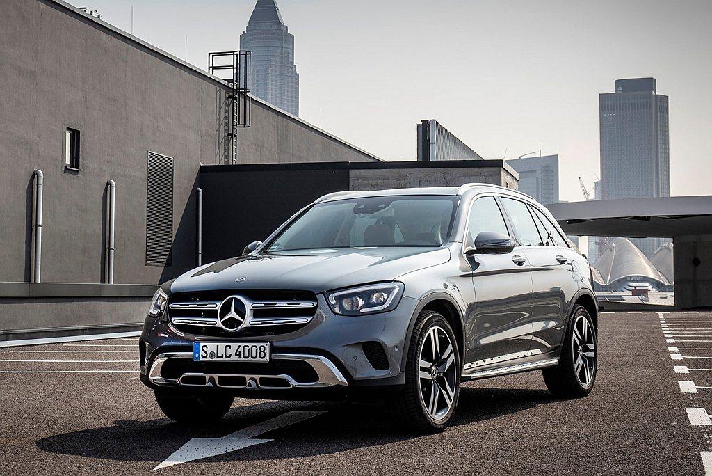 賓士GLC則為全球熱賣休旅前十名中,唯一進榜的豪華品牌。 圖/Mercedes-...