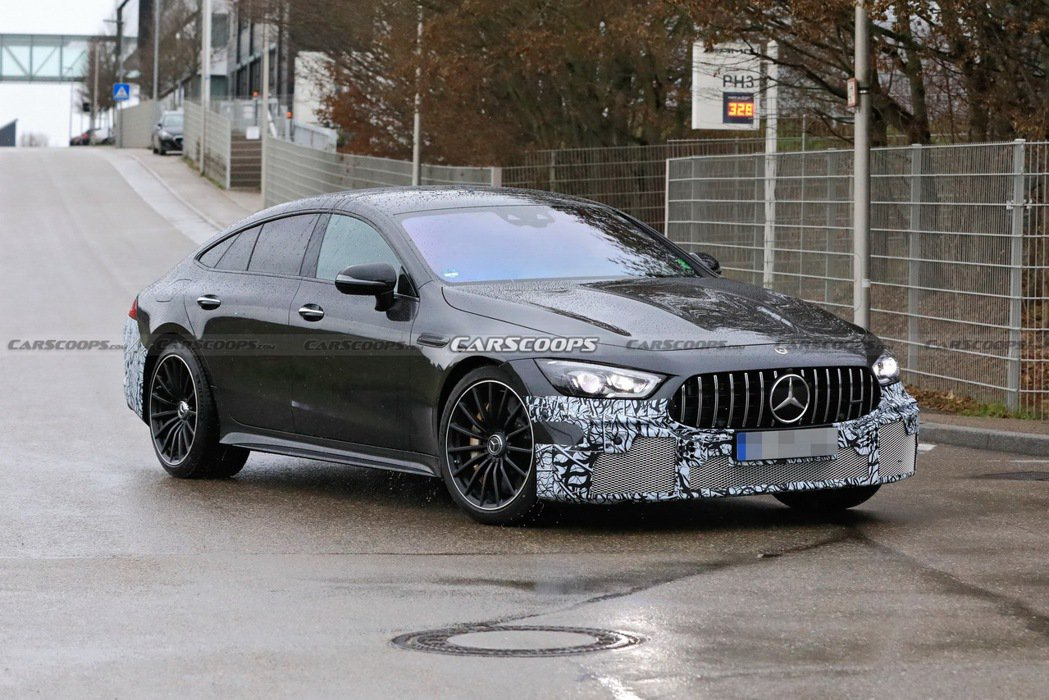 Mercedes-AMG GT 73 e偽裝測試車再度現身。 摘自Carscoo...