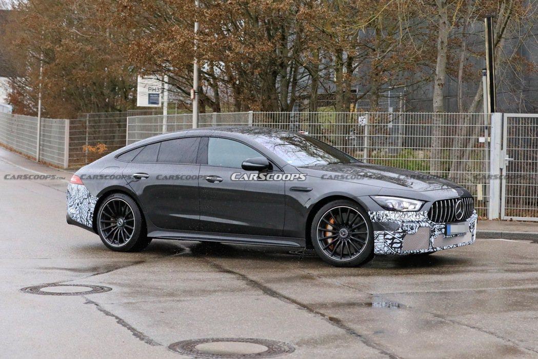 Mercedes-AMG GT 73 e偽裝測試車。 摘自Carscoops