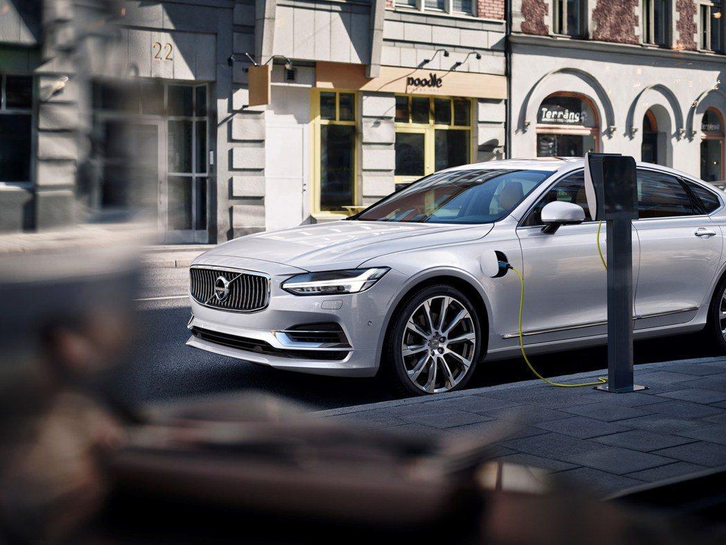 Volvo Recharge電動車型在今年一月份銷量較去年同期增長超過20%。 ...