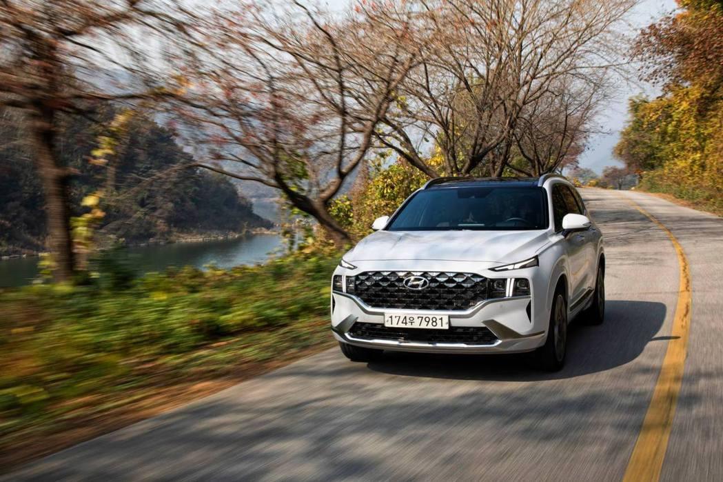 Hyundai Santa Fe一月在韓國售出4,313輛,雖然銷量仍落後給Ki...