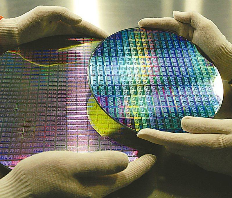 今年手機、電腦及車用3大需求爭產能還會持續,對8吋及12吋晶圓代工需求持續強勁。圖/聯合報系資料照片