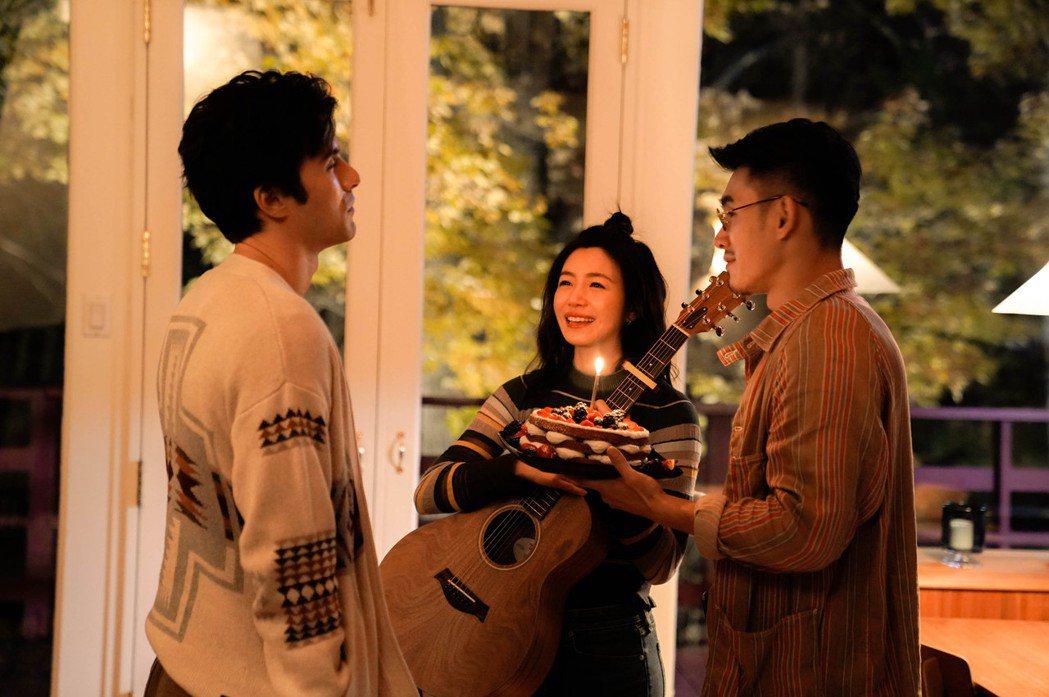 張書豪(右)和陳妍希(中)、鳳小岳(左)赴加拿大拍片,回憶滿滿。圖/好好看文創/...