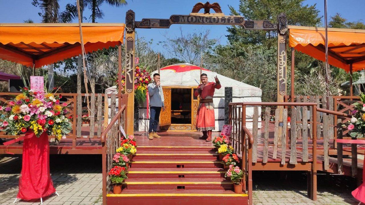 蒙古國歌手當場獻唱蒙古當地特色民謠。 圖/莊祖銘 攝影