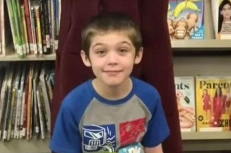11歲男童陳屍家中儲物箱。圖/取自mirror