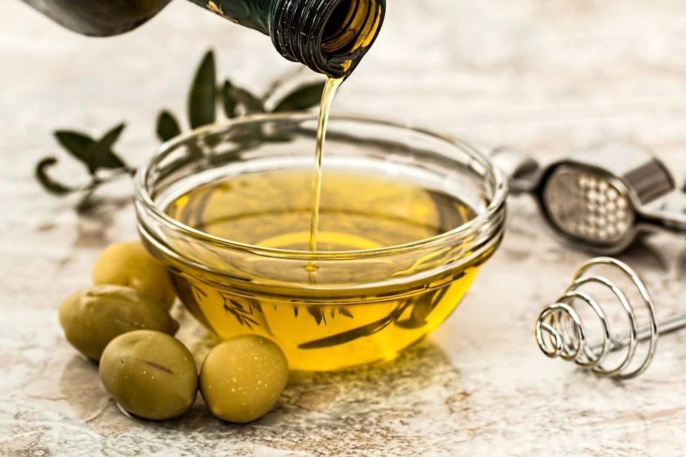執行減醣生活時,由於需要稍微拉高飲食中的油脂比例,選擇好的油脂種類相對重要 圖/...