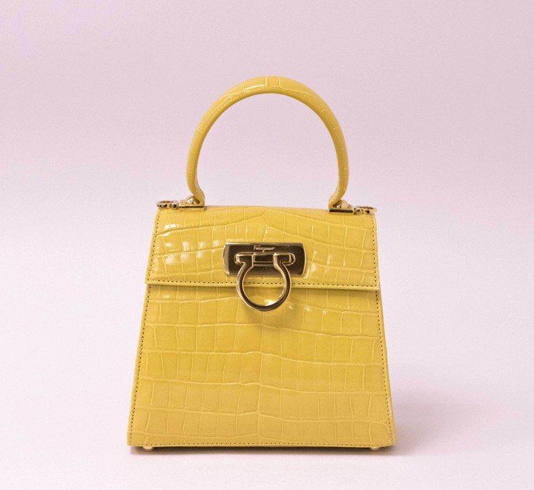 Creations系列Top Handle黃色鱷魚皮提包,545,000元。圖/...