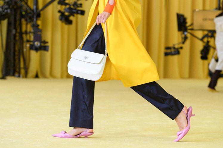 要說到今年討論度最高的新包,Prada的Cleo Bag絕對是代表之一。圖/Pr...