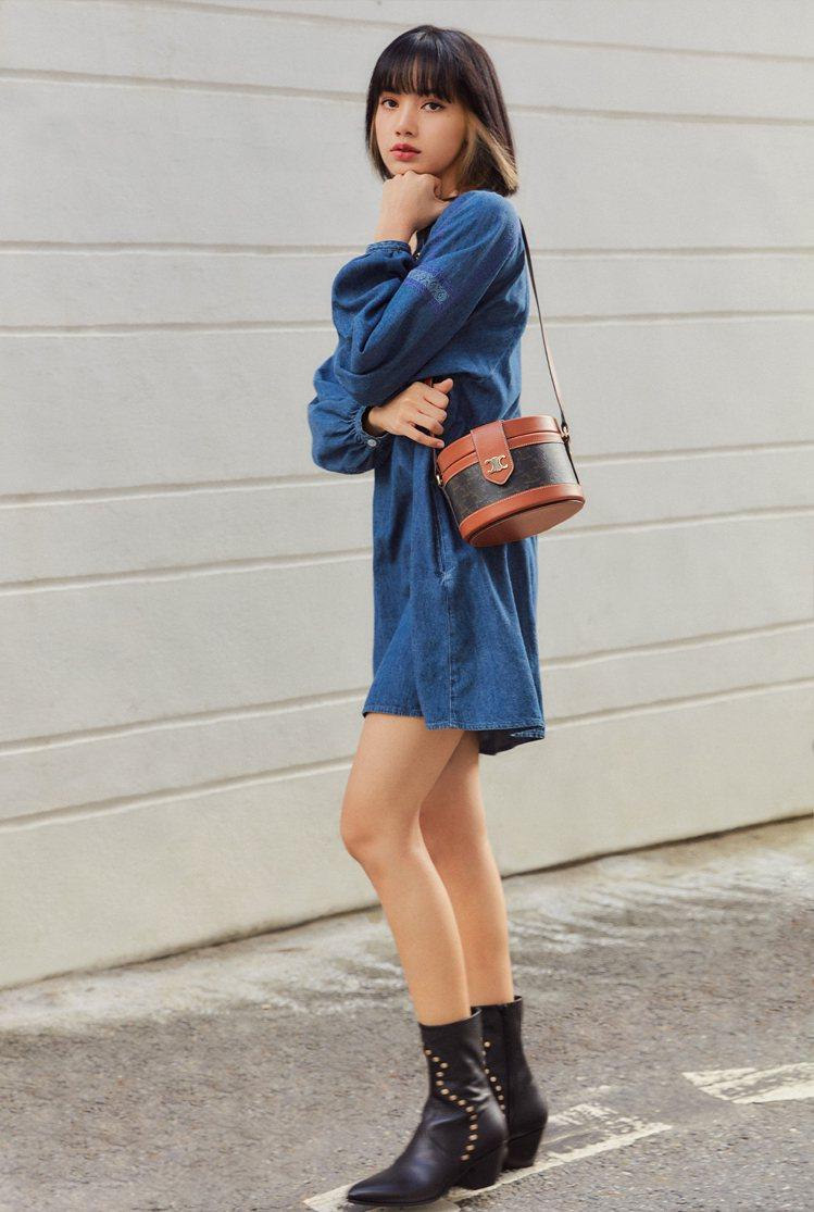 BLACKPINK的Lisa身穿單寧裙搭配Tambour經典老花圓盒包,85,0...