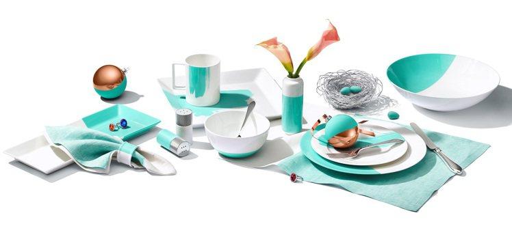 Tiffany筆刷與撞色設計餐具,價格店洽。圖/Tiffany提供 孫曼