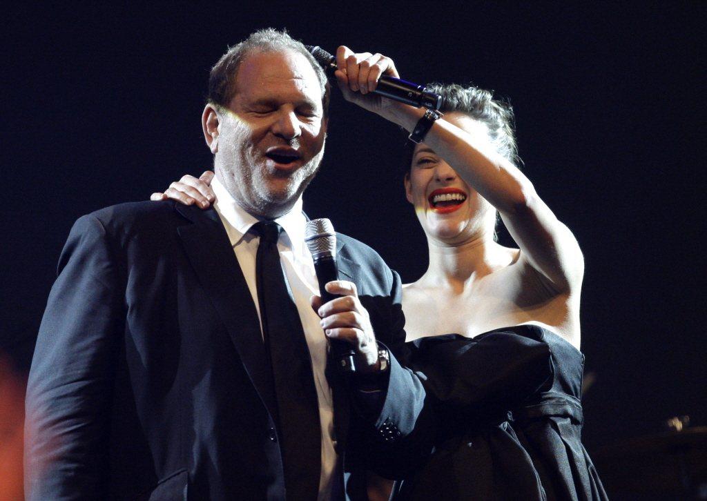 2010年,瑪莉詠柯蒂亞與哈維溫斯坦在第63屆坎城,共同參加Cinema Aga...