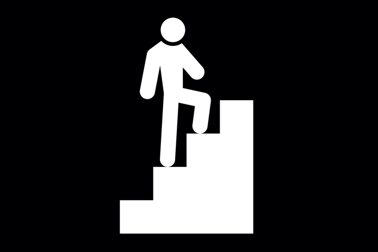 上下樓梯時,你的體重會讓關節承受很大的力量。如果肌肉不足,就可能導致關節面對位不...