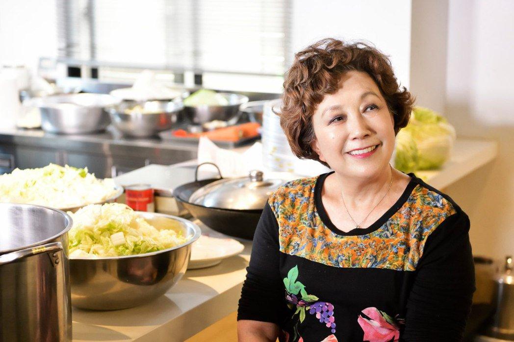 黃婉玲有感於從祖先留傳下來的台菜味道逐漸遺失,她成立教室不藏私教學,出版數本著作...