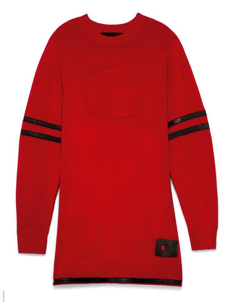 COACH與Champion聯名系列女裝上衣17,800元。圖/COACH提供