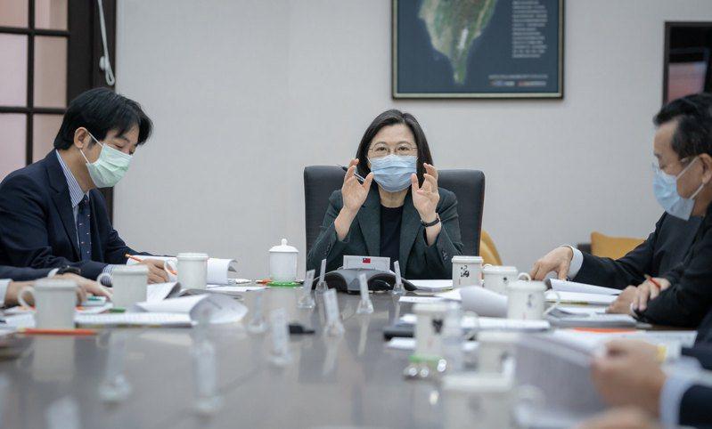 針對立百病毒,蔡英文總統日前召開國安會議,指派副總統賴清德與前副總統陳建仁共同主持一項計畫。圖/總統府提供