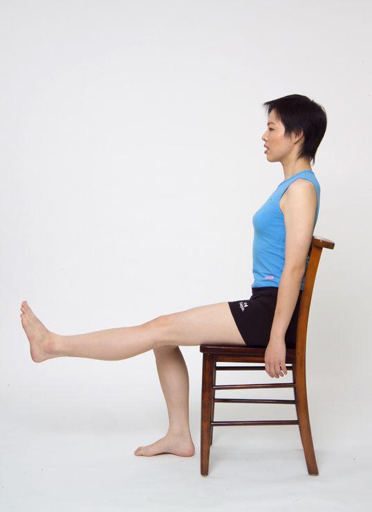 膝蓋運動。圖/台安醫院復健科主任鍾佩珍提供 動作示範/李詠詩醫師
