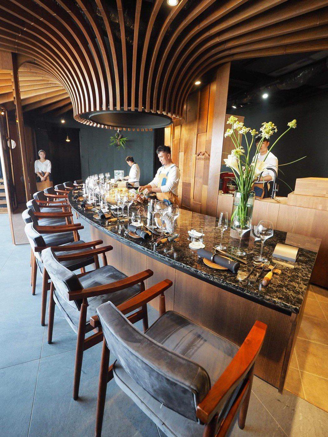 Mathariri餐廳設計時尚,現代且富有美感。圖/Peray Hsiao提供