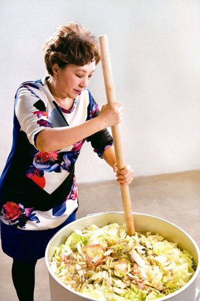 黃婉玲認為菜尾湯要美味,分量做足絕對是一大關鍵。圖/寫樂文化提供
